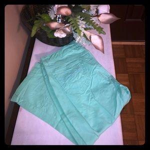 Bandolino Capri pants